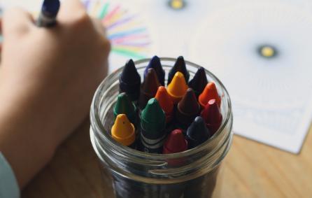 tekenend kind