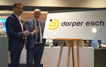 Opening Dorper Esch, onthullin logo door Erik en Benno